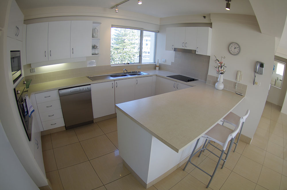 Large Kitchens Fully Equipped